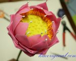 How-to-make-fold-lotus-flower-(51)