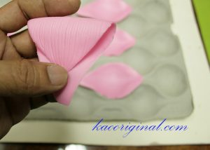 How-to-make-fold-lotus-flower-(31)