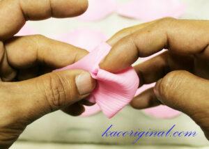How-to-make-fold-lotus-flower-(33)