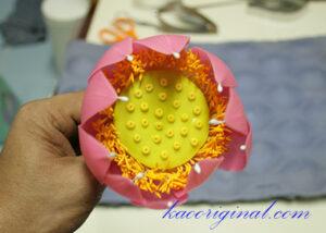 How-to-make-fold-lotus-flower-(42)