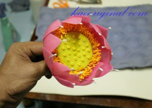 How-to-make-fold-lotus-flower-(44)