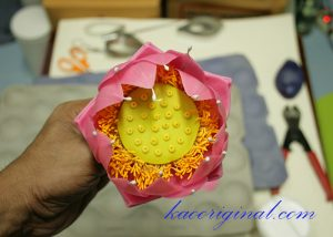 How-to-make-fold-lotus-flower-(45)
