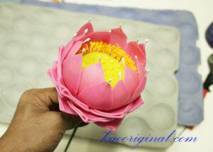 How-to-make-fold-lotus-flower-(47)